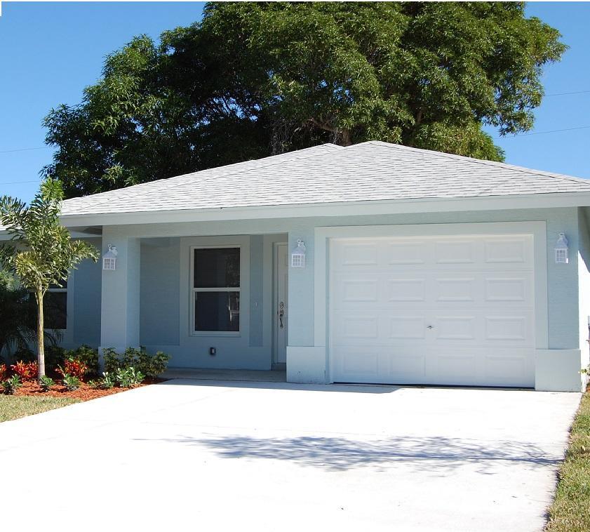 1015 Mango Drive  Delray Beach, FL 33444