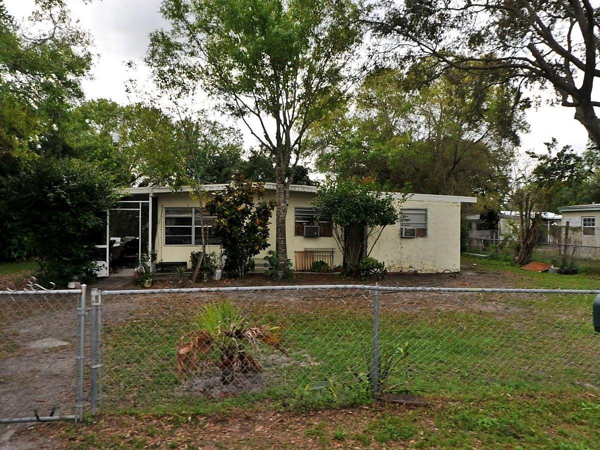 355 Borraclough Street  Fort Pierce FL 34982
