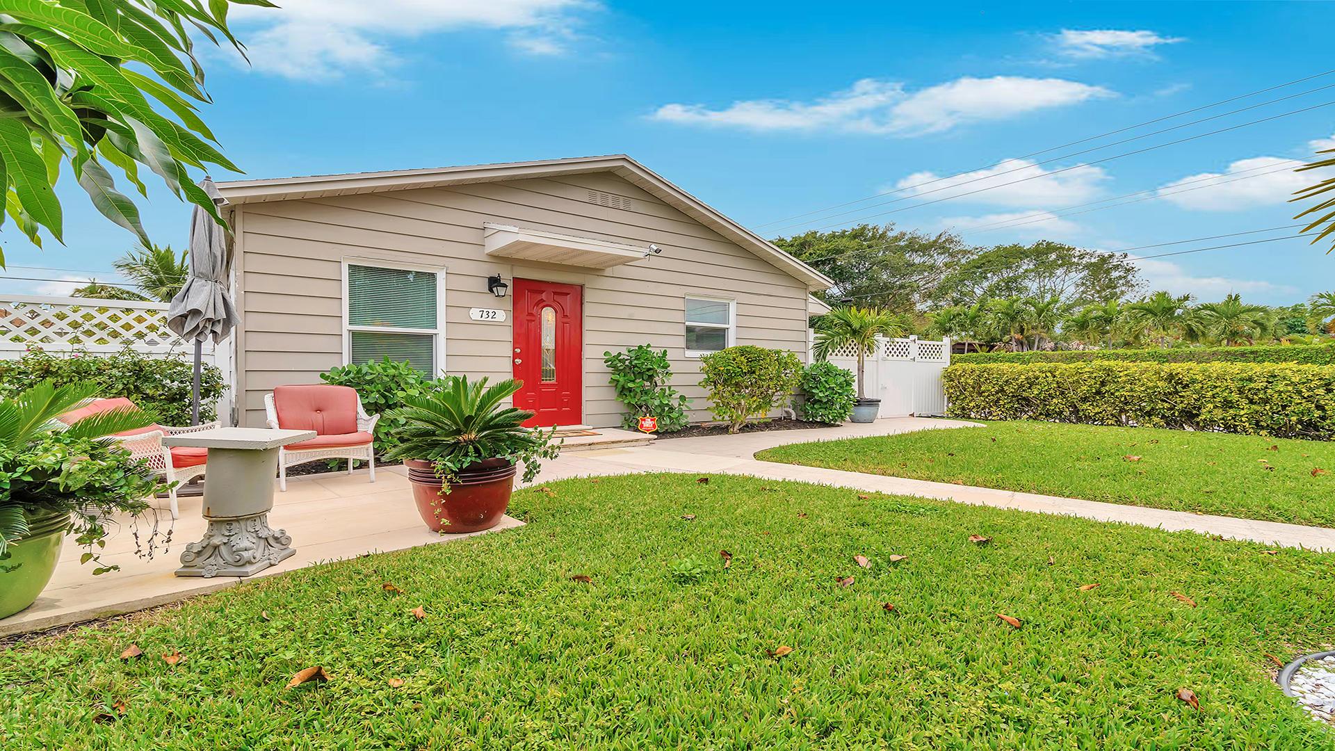 732 Mcintosh Street West Palm Beach, FL 33405