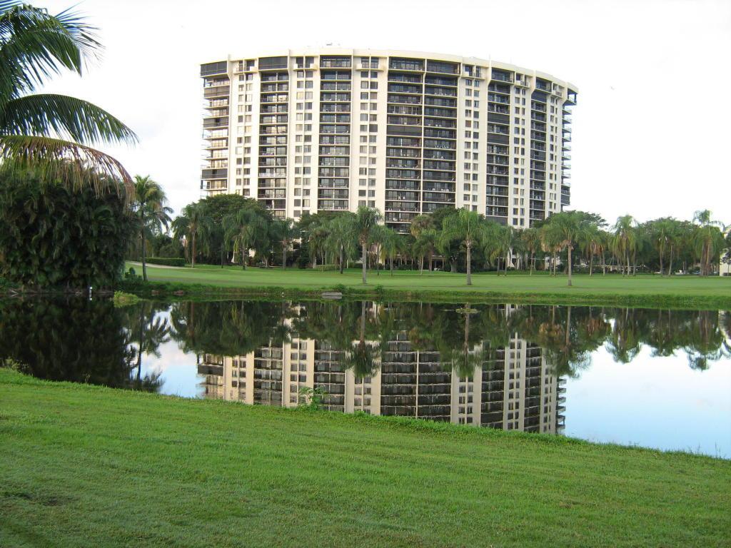 2450 Presidential Way 1006 West Palm Beach, FL 33401