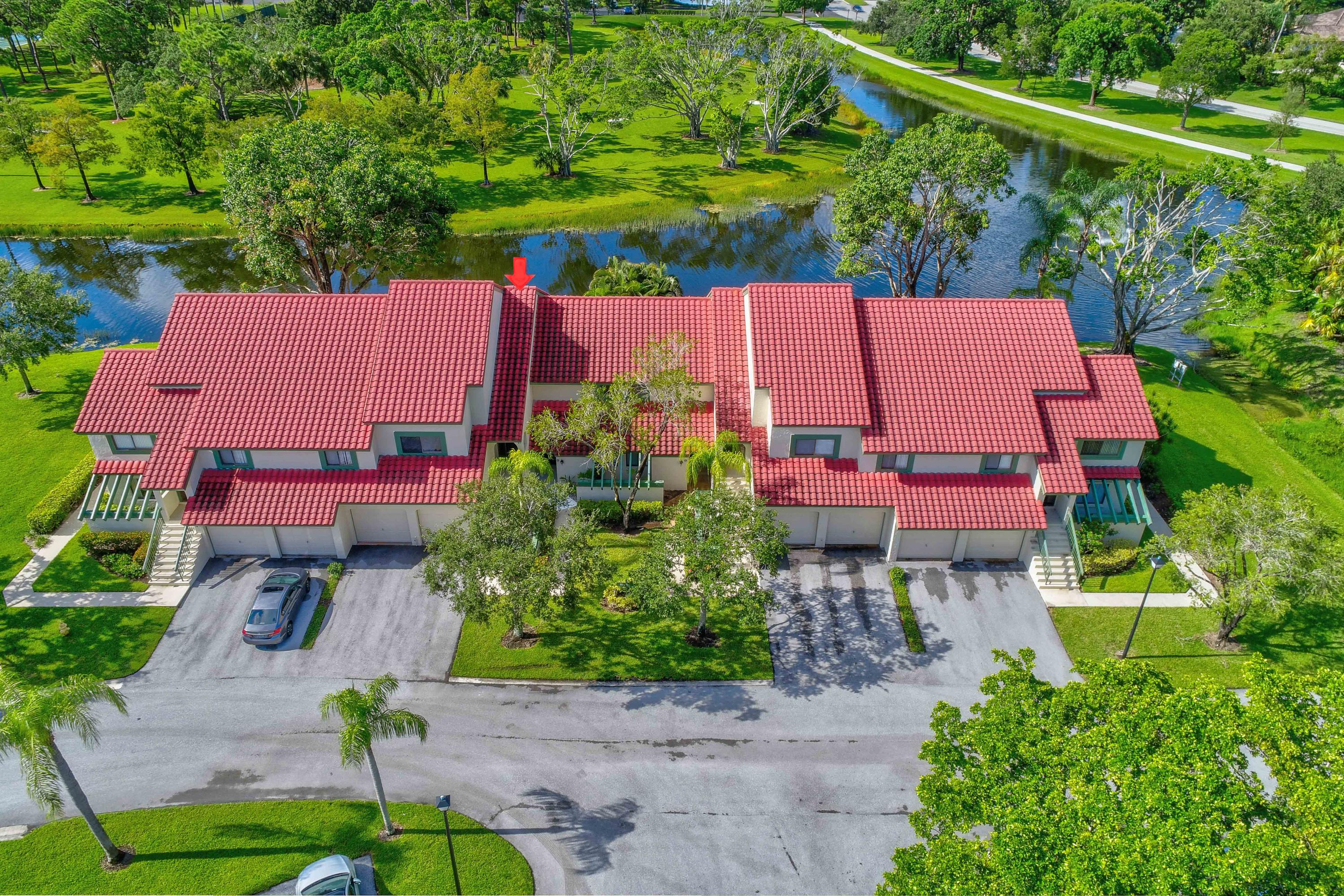 19 Lexington Lane F, Palm Beach Gardens, Florida 33418, 2 Bedrooms Bedrooms, ,2 BathroomsBathrooms,A,Condominium,Lexington,RX-10496846