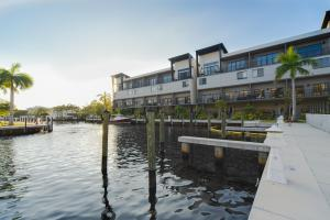 Koi Residences And Marina