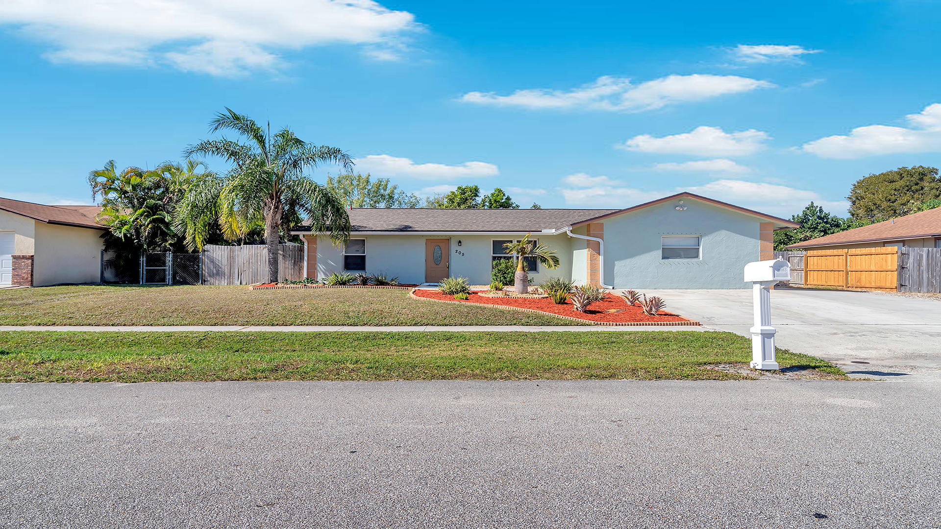 205 Martin Circle Royal Palm Beach, FL 33411 photo 1