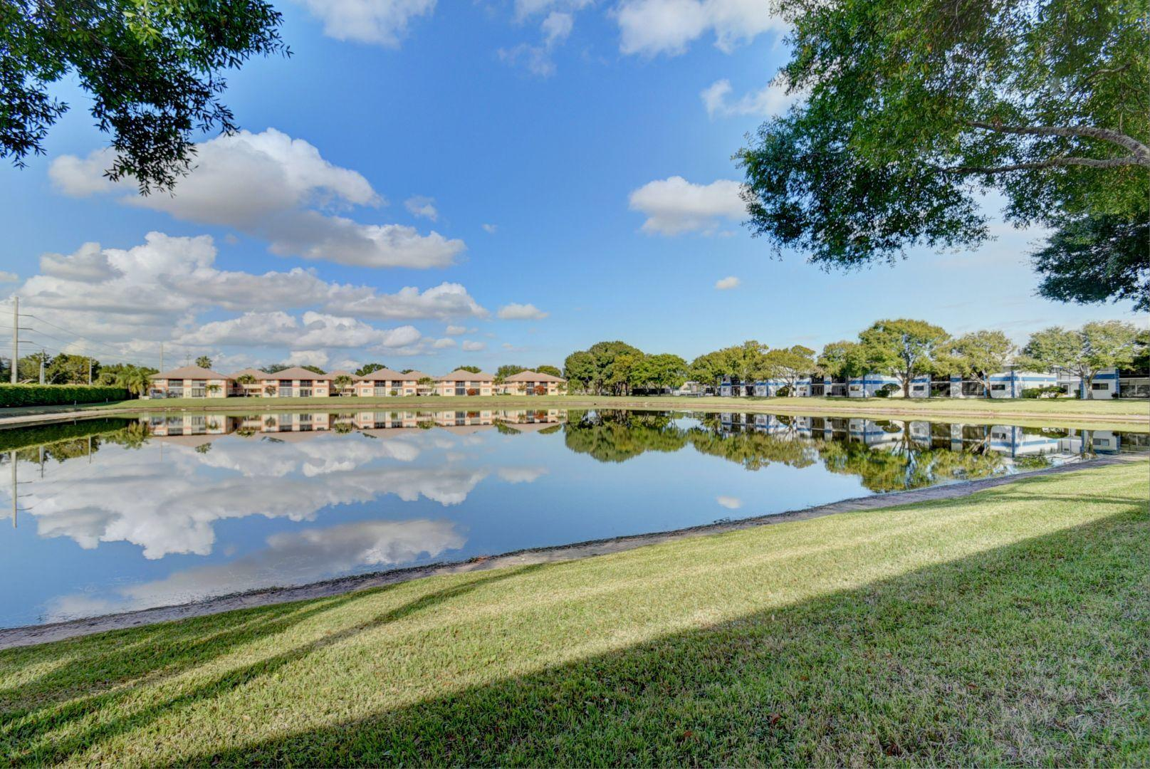 Lakes Of Delray 15401 Pembridge Avenue