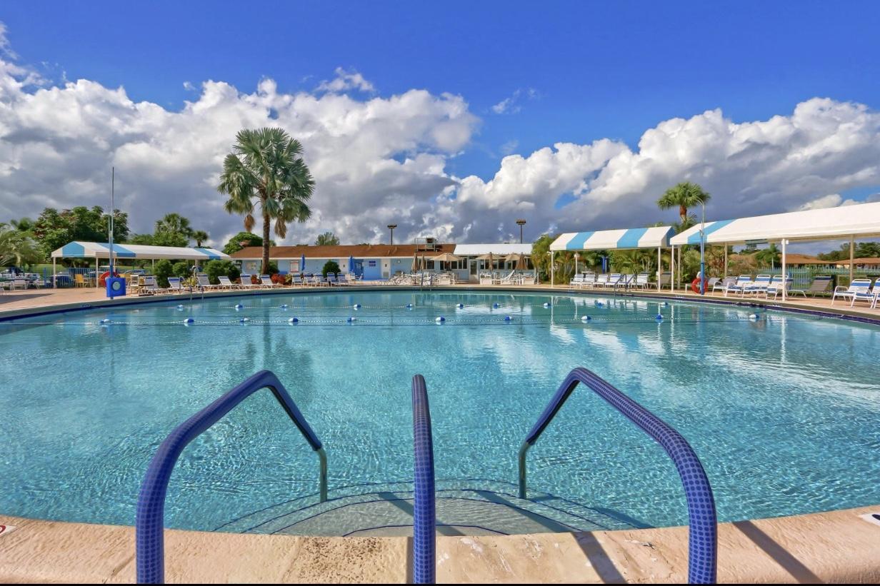 13578 Via Flora C  Delray Beach, FL 33484
