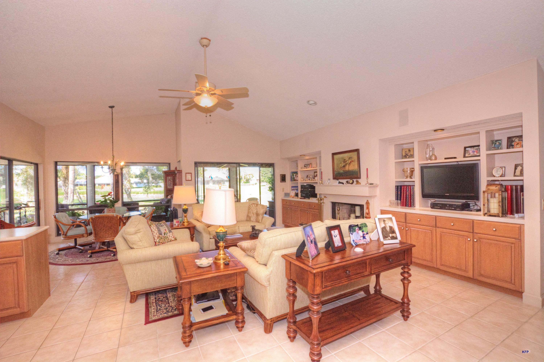 6245 Oakmont Place, Stuart, Florida 34997, 3 Bedrooms Bedrooms, ,3.1 BathroomsBathrooms,A,Single family,Oakmont,RX-10496951