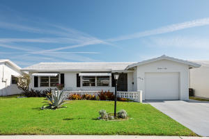 Leisureville home 1304 SW 18th Street Boynton Beach FL 33426