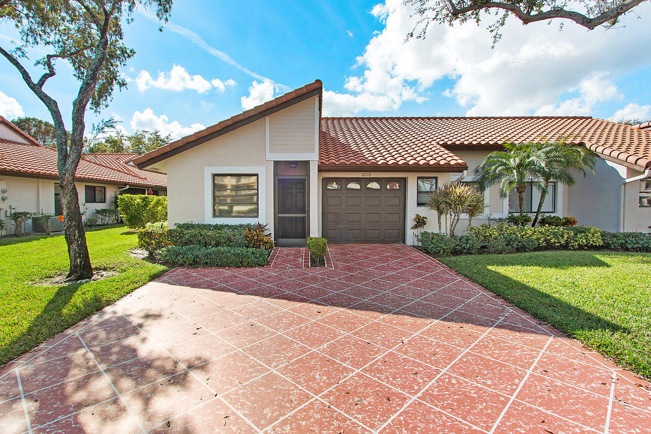 6210 Pointe Regal Circle  Delray Beach, FL 33484