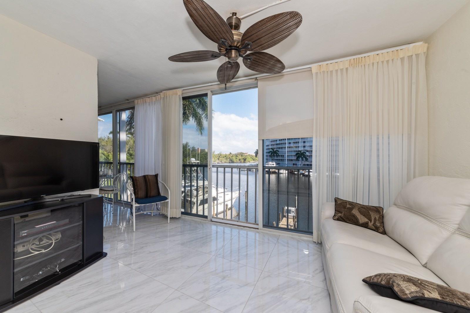 1423 E Hillsboro Boulevard, 322 - Deerfield Beach, Florida