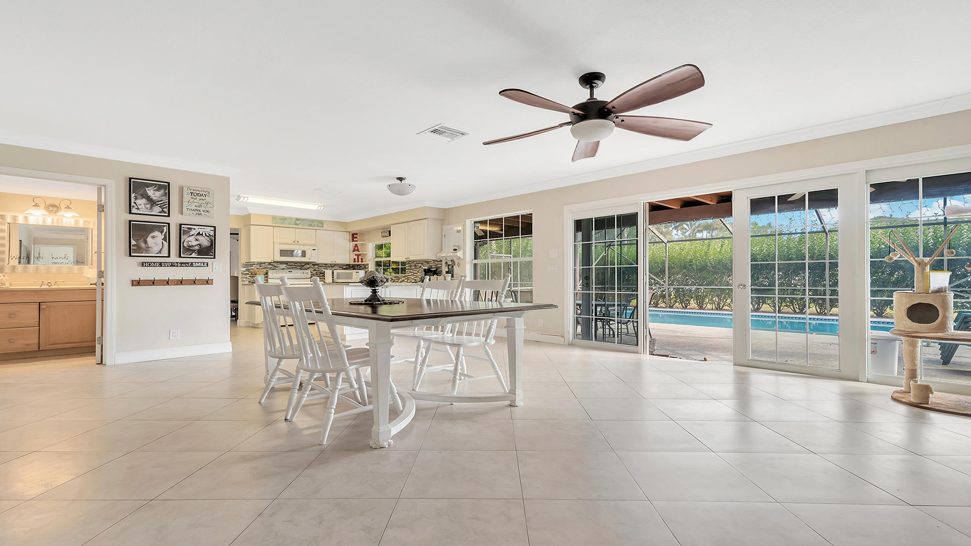 100 Madrid Street Royal Palm Beach, FL 33411 photo 4