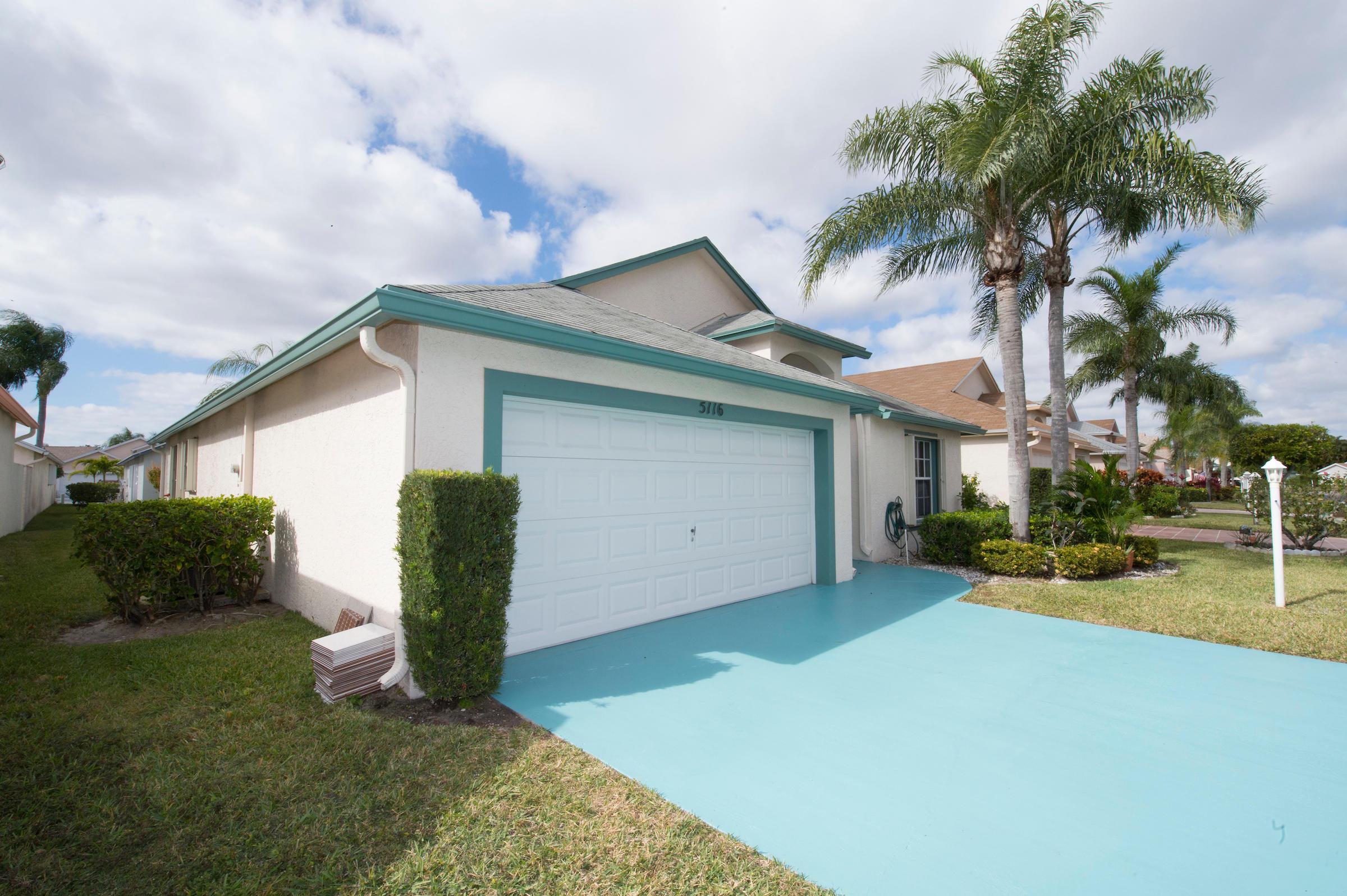5116 Robino Circle West Palm Beach, FL 33417 photo 2