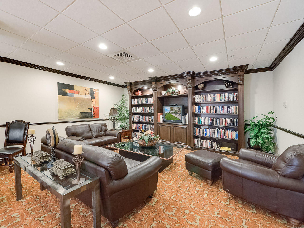 EASTPOINTE COND I             UNIT 19D
