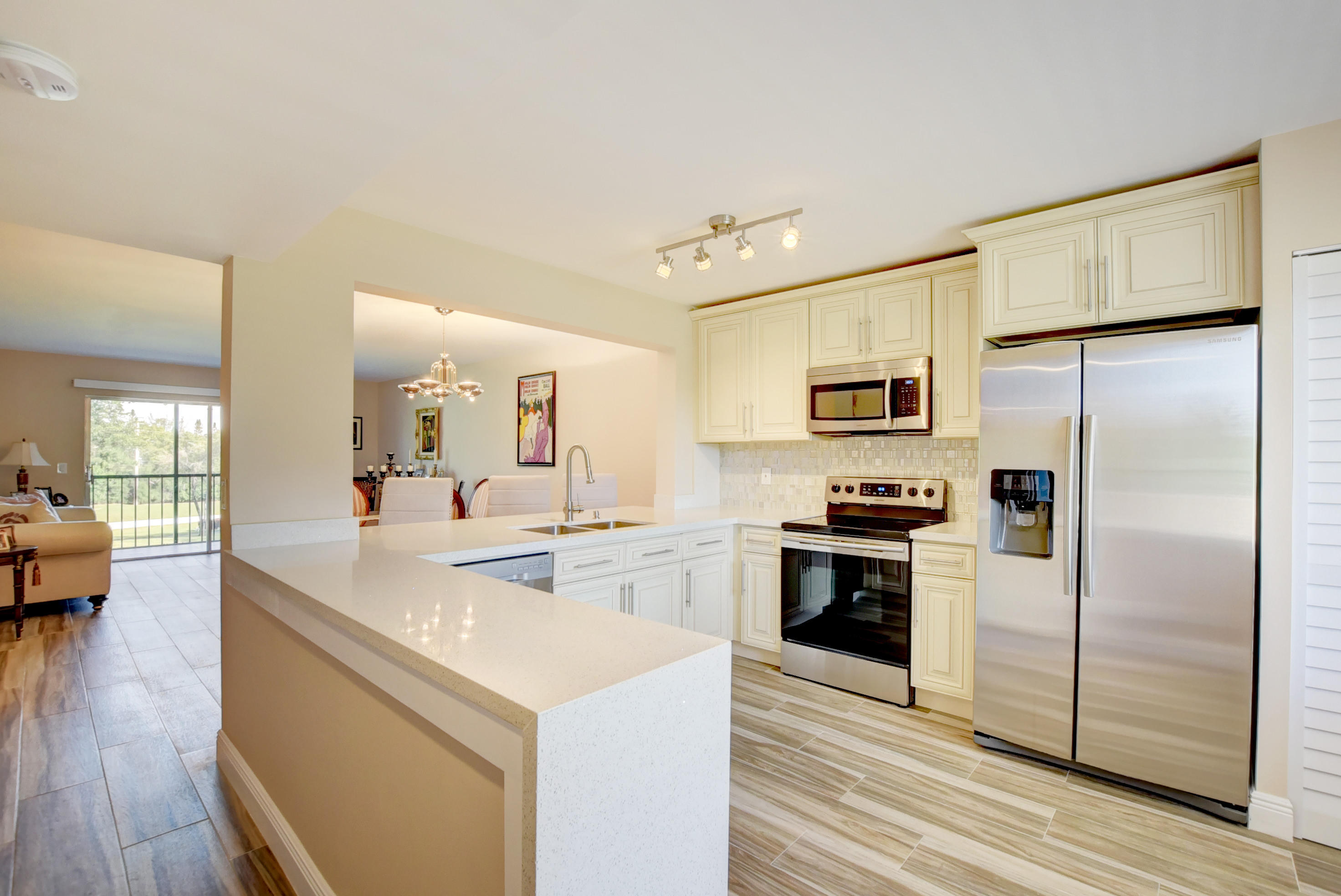 HUNTINGTON LAKES home 7267 Huntington Lane Delray Beach FL 33446
