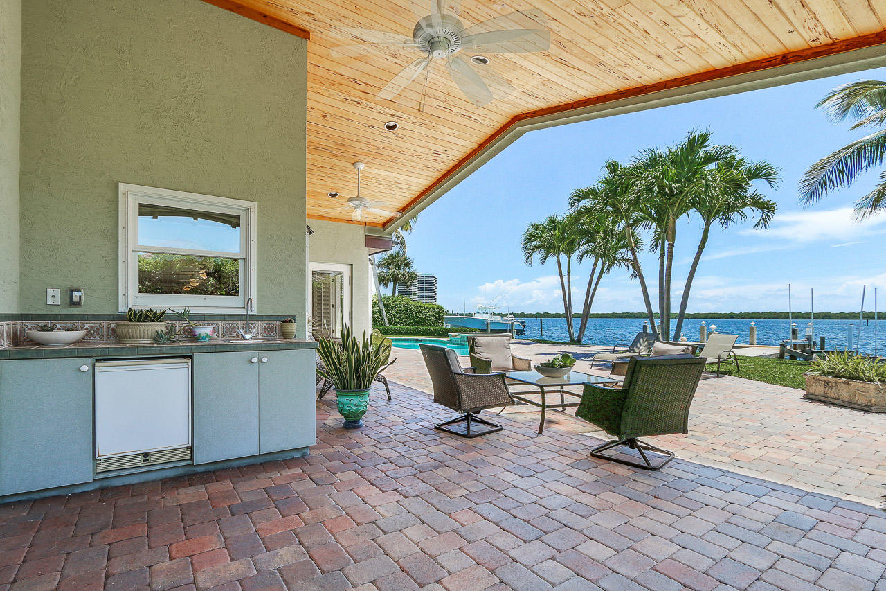 848 Lakeside Drive, North Palm Beach, Florida 33408, 5 Bedrooms Bedrooms, ,4.1 BathroomsBathrooms,A,Single family,Lakeside,RX-10499479