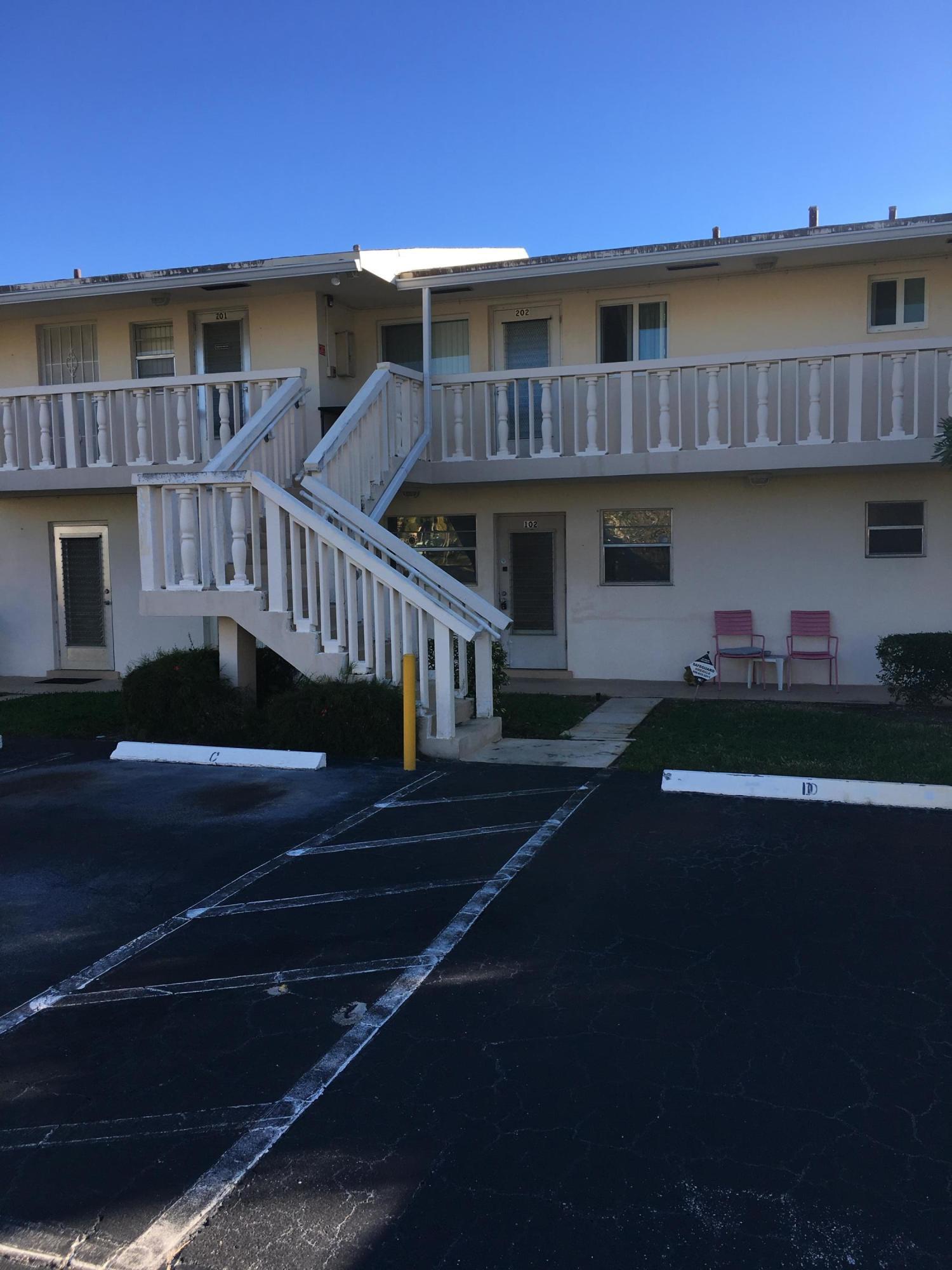 VILLAGE ROYALE CONDO 7 home 2192 NE 1st Way Boynton Beach FL 33435