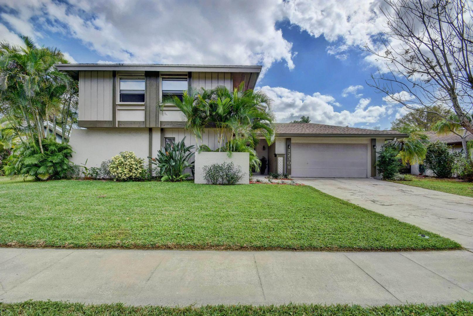 12308 Old Country Road Wellington, FL 33414