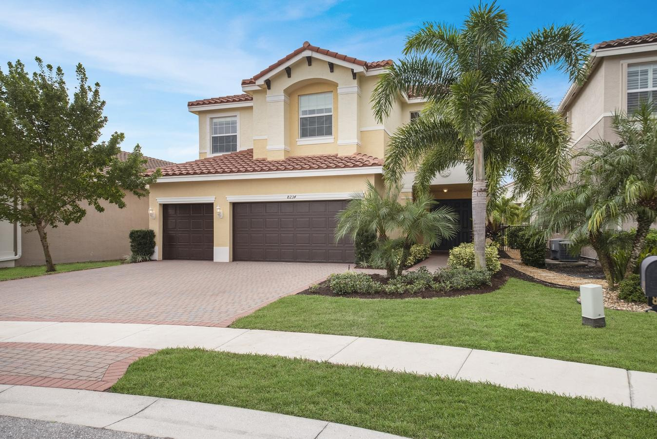 8234 Fiera Ridge Drive Boynton Beach, FL 33473