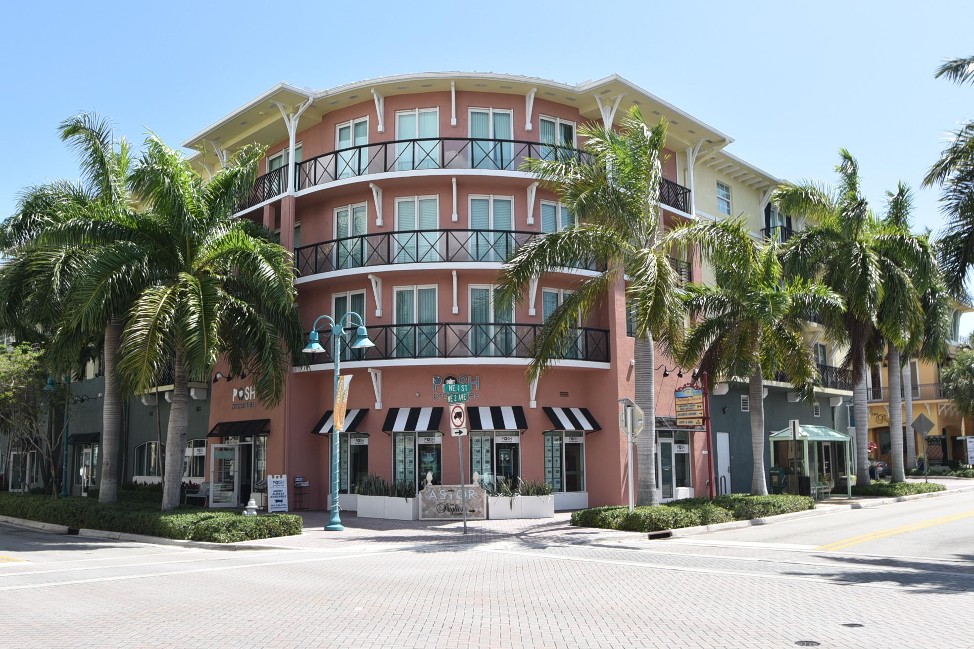225 NE 1st Street 415  Delray Beach, FL 33444