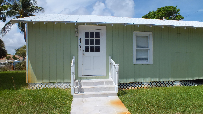 437 Summa Street West Palm Beach, FL 33405
