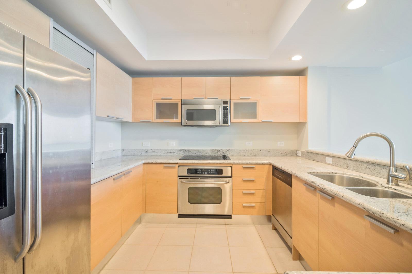 2640 Lake Shore Drive 2115, Riviera Beach, Florida 33404, 2 Bedrooms Bedrooms, ,2.1 BathroomsBathrooms,A,Condominium,Lake Shore,RX-10499174