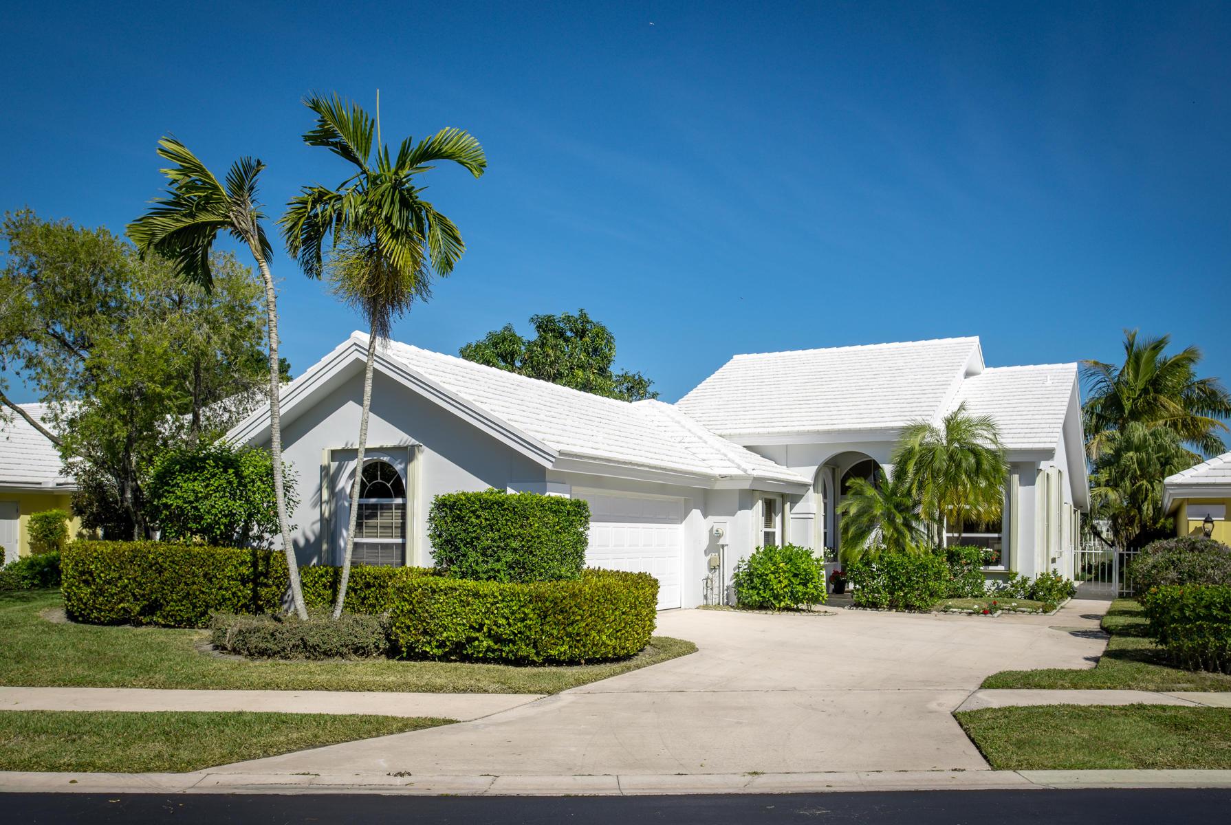 2334 Saratoga Bay Drive West Palm Beach, FL 33409