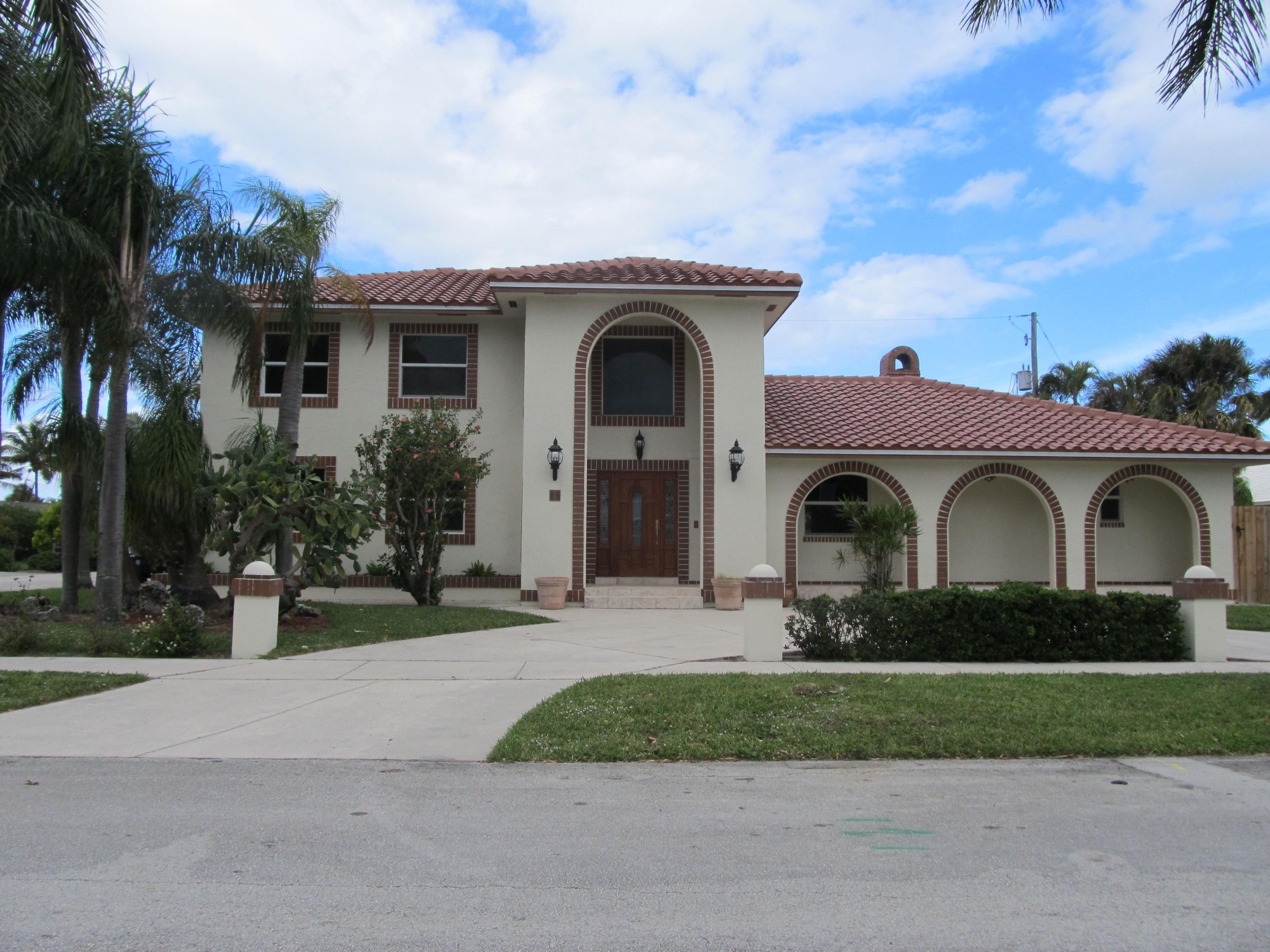 18 Duke Drive Lake Worth, FL 33460