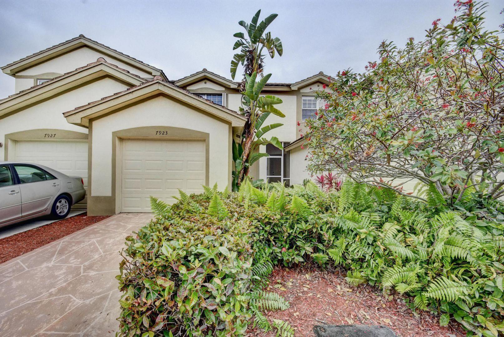 7923 Sienna Springs Drive Lake Worth, FL 33463