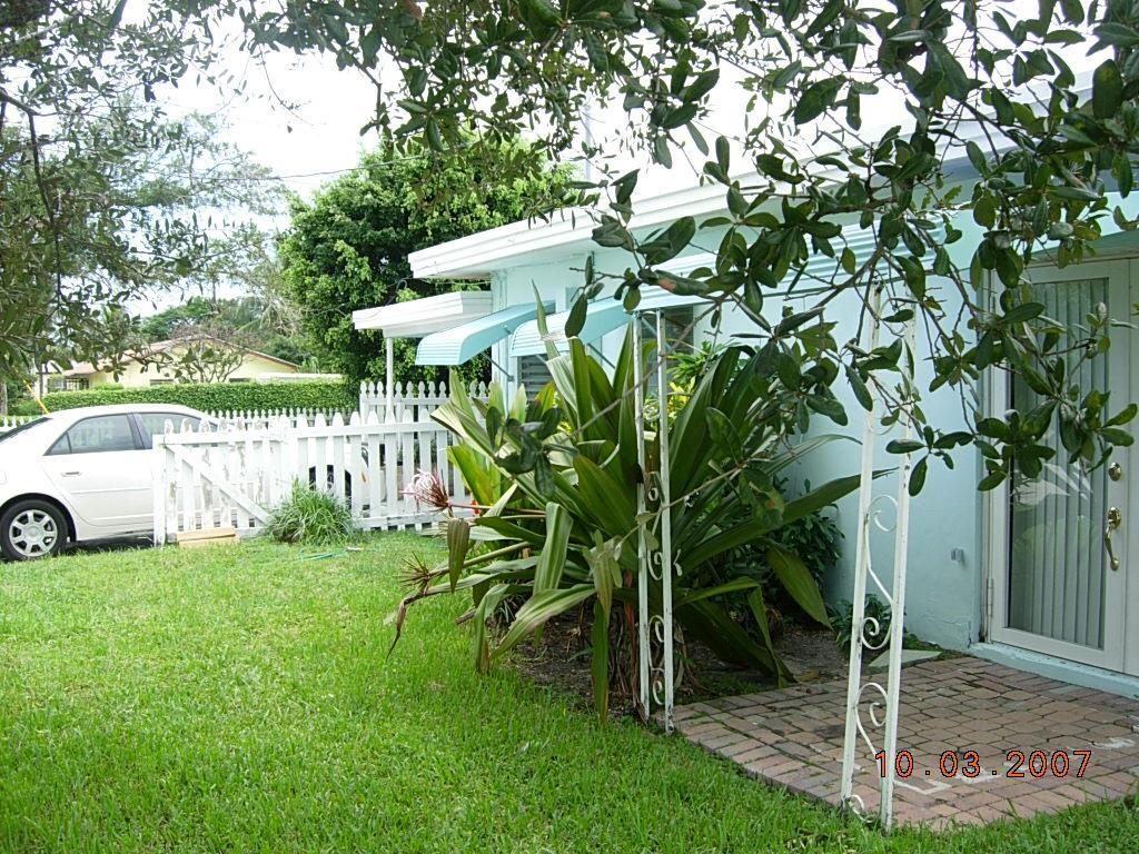 Home for sale in DELRAY RESUB OF BLK 72 AND W PT OF BLK 80 Delray Beach Florida