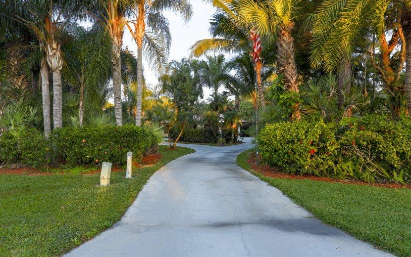9020 Winding Woods Drive Lake Worth, FL 33467