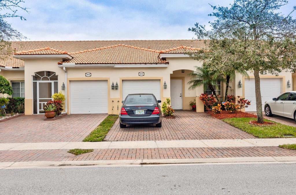 9916 Galleon Drive West Palm Beach, FL 33411