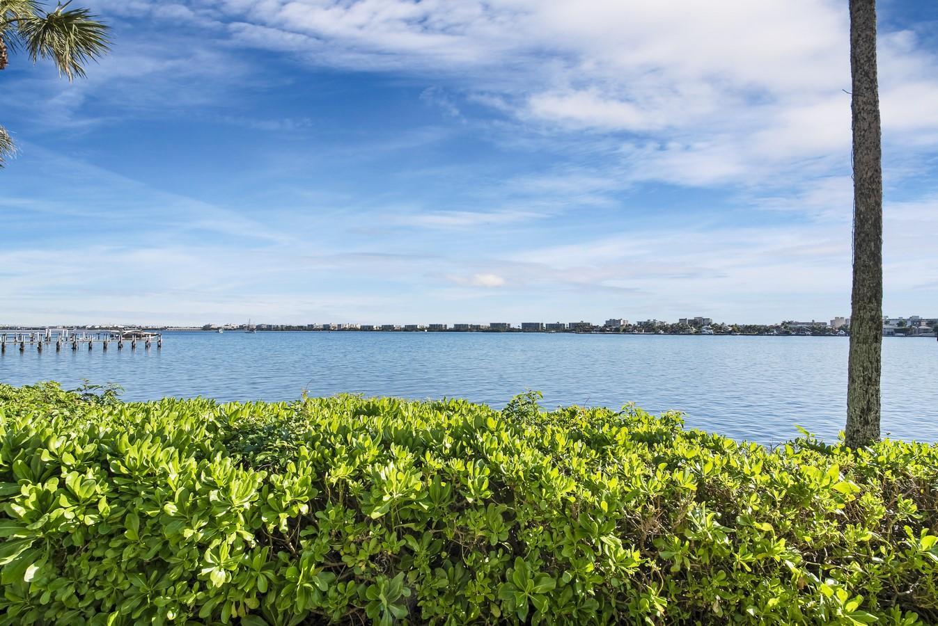 100 Waterway Drive 110 Lantana, FL 33462 photo 22
