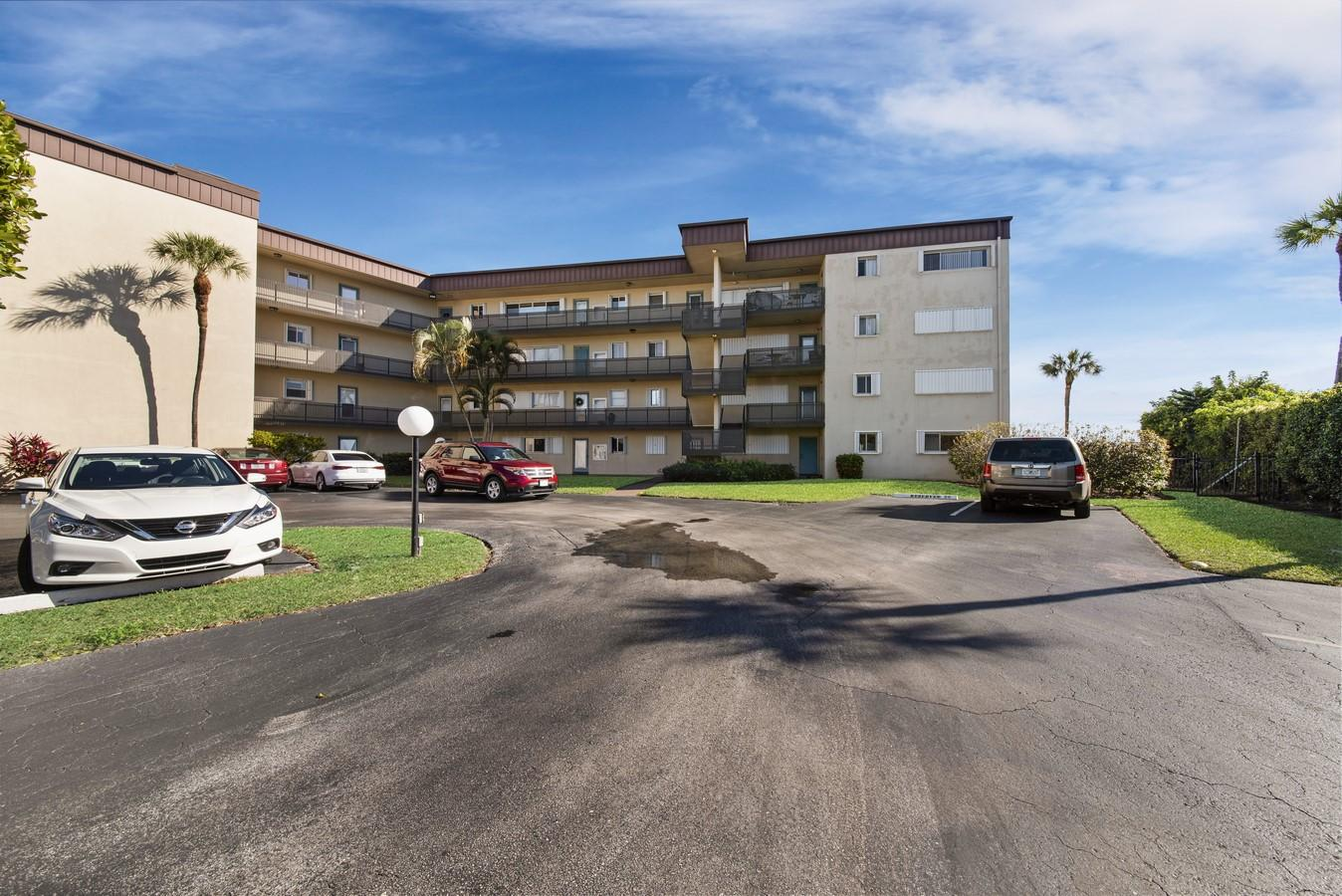 100 Waterway Drive 110 Lantana, FL 33462 photo 34