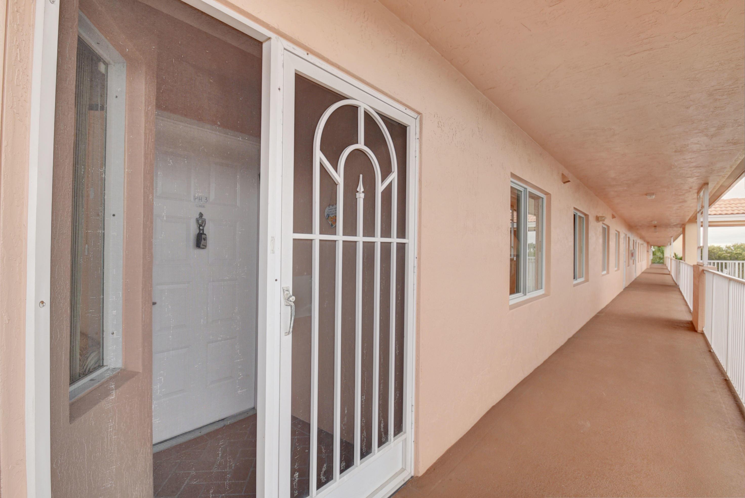 5874 Crystal Shores Drive 403 Boynton Beach, FL 33437 photo 3