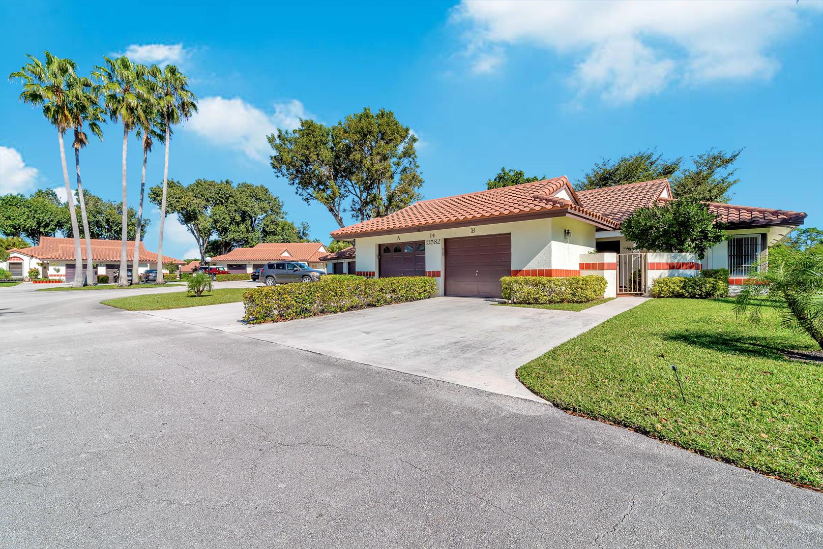 10582 Beach Palm Court B Boynton Beach, FL 33437 photo 2