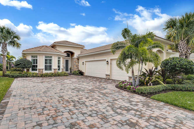 New Home for sale at 170 Lucia Court in Jupiter