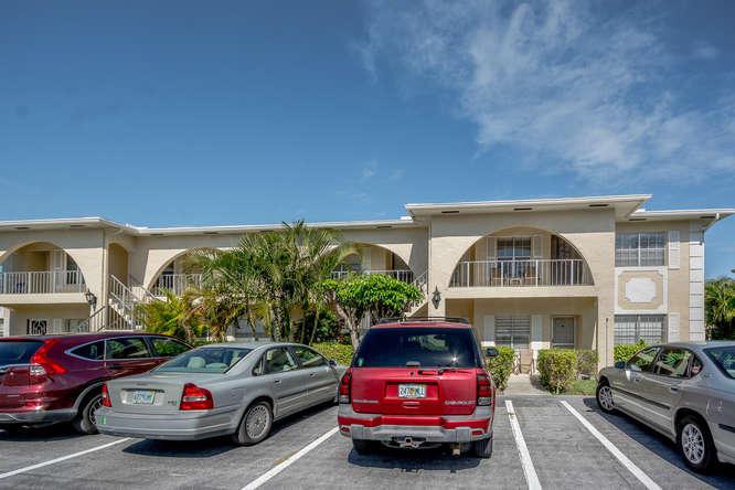 13968 Via Flora H  Delray Beach, FL 33484