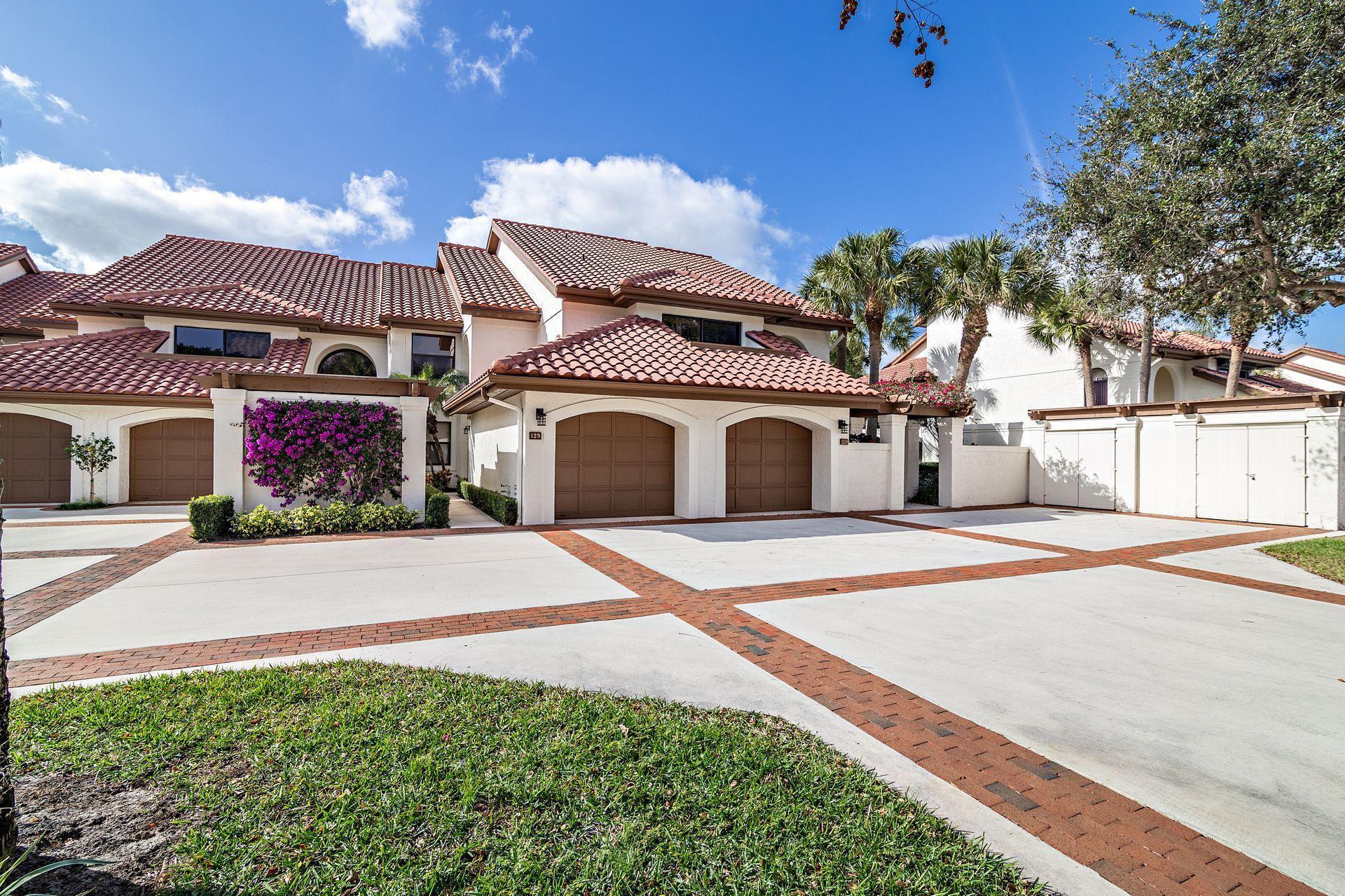 Home for sale in Jonathan's Landing Jupiter Florida