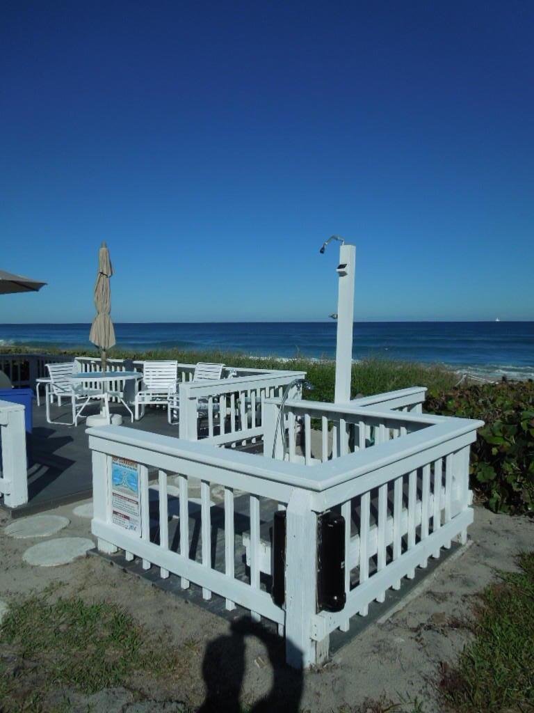 BEACH POINT COND              UNIT 102-W