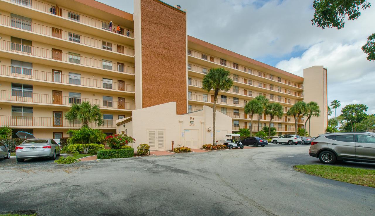 14527 Bonaire Boulevard 504  Delray Beach, FL 33446
