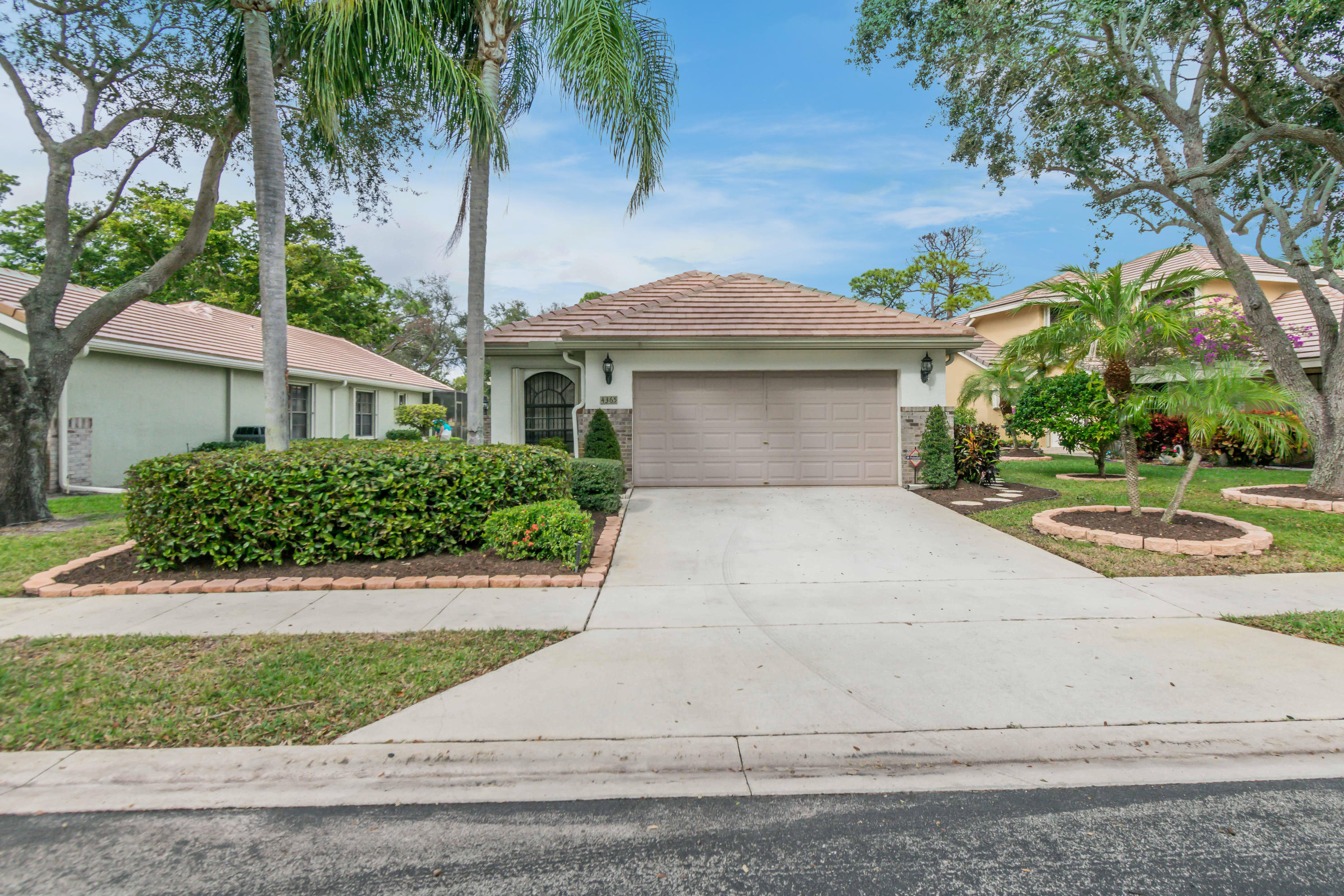 4365 Sherwood Forest Drive  Delray Beach, FL 33445