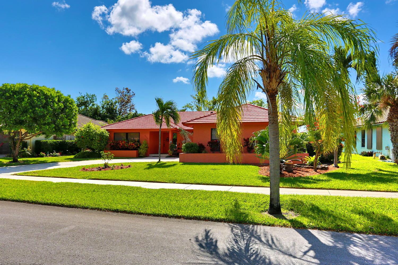 2720 SW 23rd Cranbrook Drive Boynton Beach, FL 33436