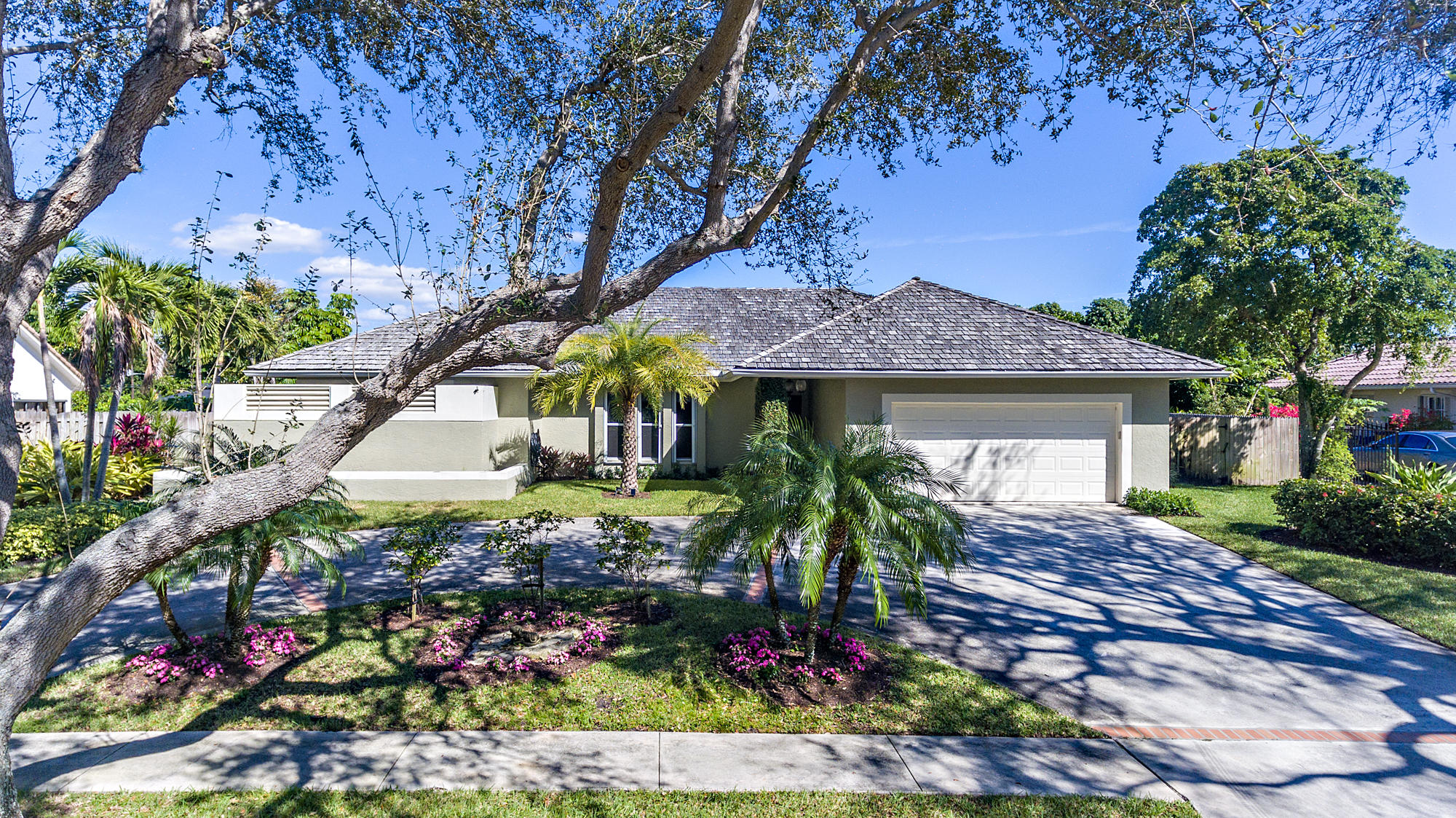 PRESIDENT COUNTRY CLUB HOMES FOR SALE