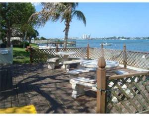 5600 N Flagler Drive 2506 , West Palm Beach FL 33407 is listed for sale as MLS Listing RX-10501398 17 photos