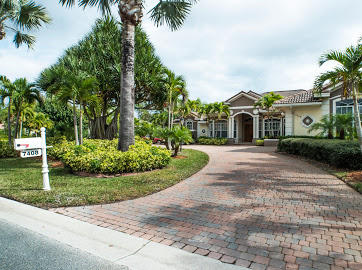 7408  Laurels Place, Port Saint Lucie, Florida