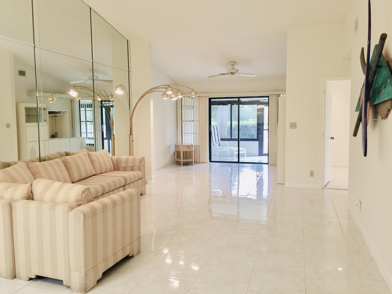 10981 Roebelini Palm Court B Boynton Beach, FL 33437