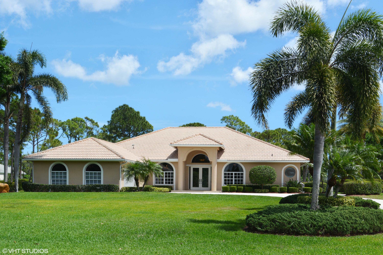 7983  Plantation Lakes Drive, Port Saint Lucie, Florida