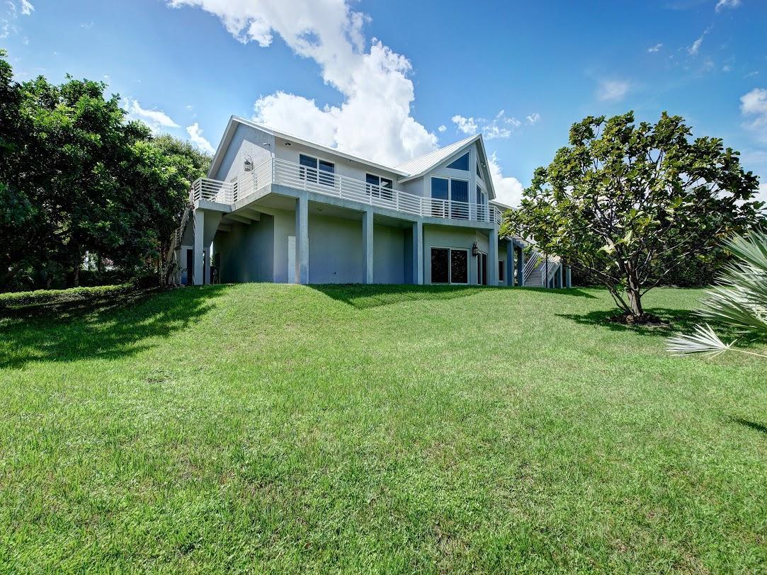10521 SE Le Parc Way - Tequesta, Florida