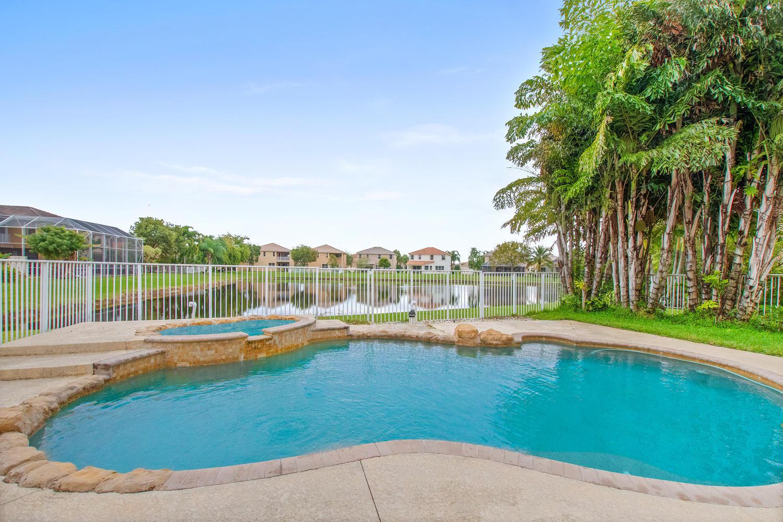 8102 Viale Matera Lake Worth, FL 33467