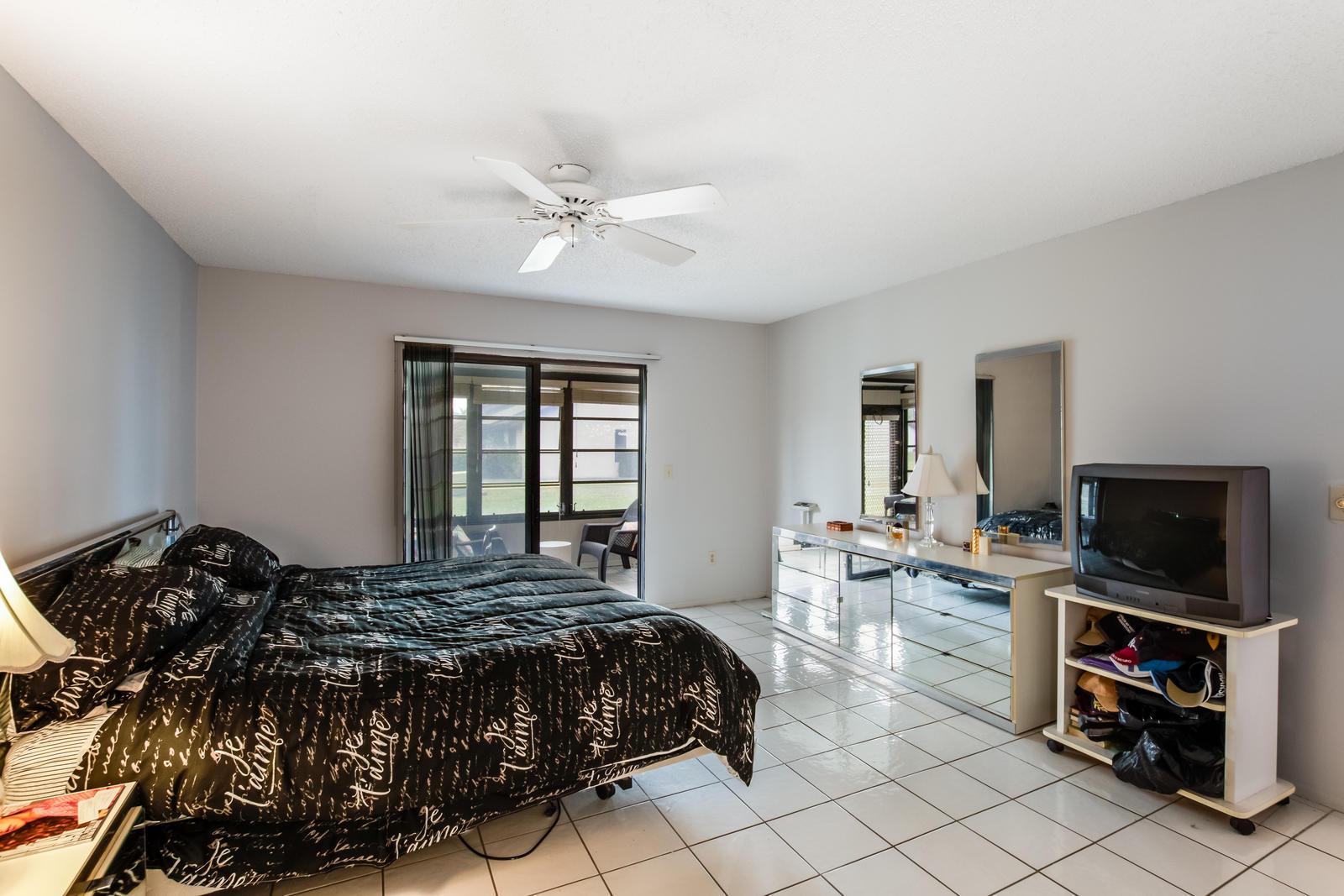 140 Karanda Court Royal Palm Beach, FL 33411 photo 13