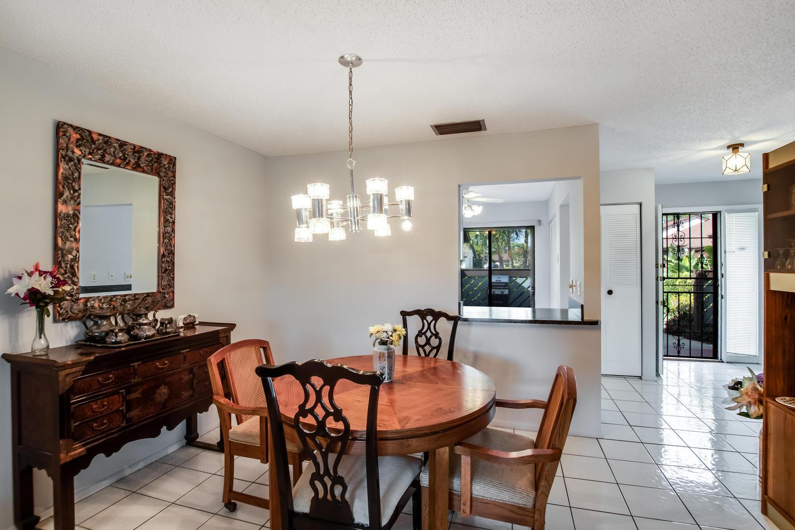 140 Karanda Court Royal Palm Beach, FL 33411 photo 18